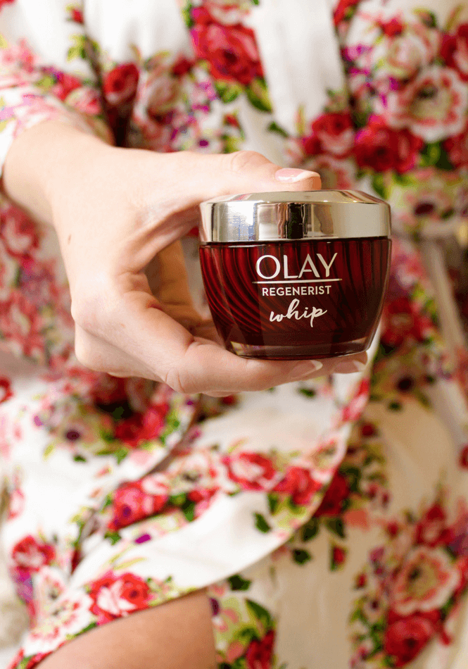 #ad, Lazy Moms Guide to Gorgeous Skin, skincare, Olay, Olay Whips, rules of skincare, #LightAsAir , #FeelTheWhip, @olay, skincare for moms, quick beauty routine