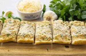 Garlic bread, cheesy garlic bread, simple garlic bread