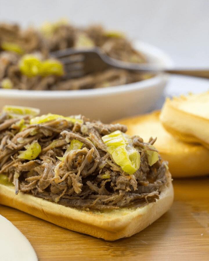 Italian Beef Sandwiches, crockpot italian beef, how to make italian beef, family dinner ideas, dinner recipes