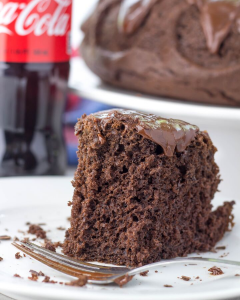 Cola Bundt Cake, cake made with soda, coca-cola cake, chocolate cake, cake with pudding, easy cake, recipe with cake mix, dessert recipe